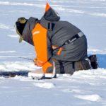 Spławik na lodzie